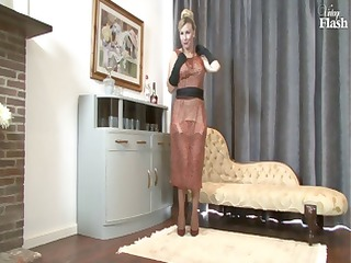 pale milf goes naked and uses her stunning high