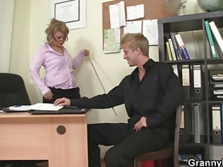 extremely impressive workplace fuck with cougar