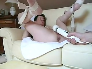 nasty sweetie obtaining vibrated inside nasty