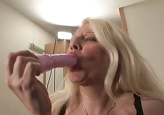 busty blond grown-up into pantyhose panty stuffing