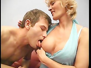 blonde cougar found a amateur penis