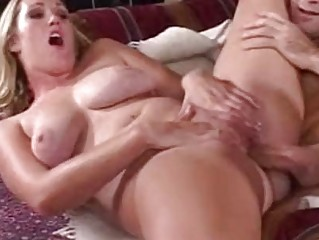 desperate pale mature babe with bleached shape