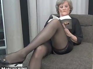mature lady in stunning ebony nylons part5