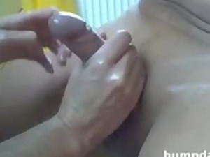 maiden gives pretty handjob with happy ending