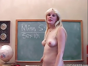 saucy woman teaches you about her kitty