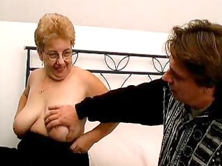 plump granny lady with huge bossom worships