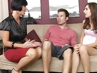 extremely impressive mum teaching her pregnant