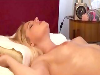 japanese guy massages european housewifes (pts