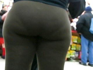 candid brown spandex bubbled out lady donk of