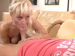 kinky albino lady from europe works difficult to