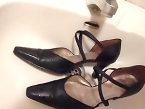 cumming on wifes ebony leather strap high heels